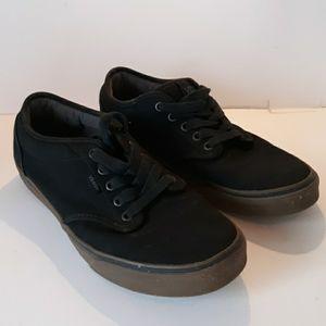 Van's 10.5 black low top lace up skateboarders